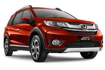 Автомобиль оснащен 1,5-литровым бензиновым двигателем i-VTEC мощностью 120 л.с. (145 Нм при 4600 об/мин), который комплектуется шестиступенчатой «механикой» или вариатором.