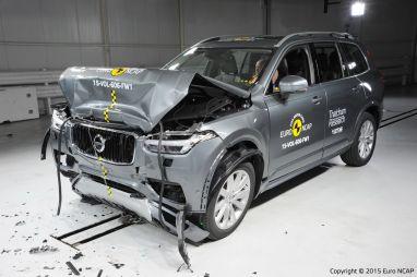 Новые поколения кроссоверов Audi Q7 и Volvo XC90 получили высшие оценки в европейских краш-тестах