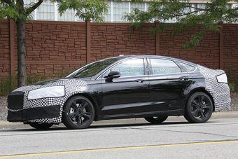 Официальной информации о выборе силового агрегата для Mondeo ST пока нет, но наиболее вероятными вариантами являются турбомоторы серии EcoBoost — 2,3-литровая 345-сильная «четверка» от Focus RS (440 Нм) или 2,7-литровый V6 мощностью 325 л.с. от Ford F-150 (507 Нм).