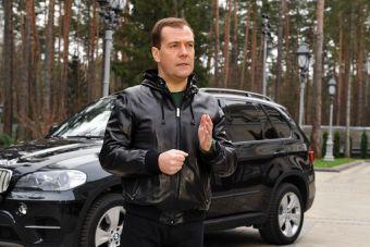 С 1 января 2016 года для российских чиновников вводится лимит на покупку автомобилей за счет бюджета.