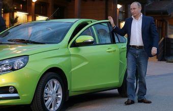 Путин признался, что ехал чуть быстрее разрешенных по маршруту поездки 30-50 км/ч.