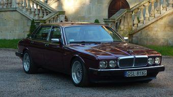 Британская фирма выпускала рядные шестицилиндровые моторы большую часть своей истории вплоть до второй половины 1990-х, когда им на смену постепенно пришли V-образные двигатели с таким же количеством цилиндров.