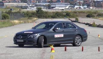 Похожая ситуация наблюдается при движении на скорости в 67 и 66 км/ч — гибридный седан прошел тест лишь двигаясь со скоростью 64 км/ч.