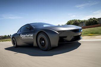 Представители немецкой компании говорят, что рабочего прототипа для демонстрации технологии пока нет, но в перспективе ее применят на большом седане BMW. Появится он в 2020 году — сразу после окончания текущего партнерства с Toyota.
