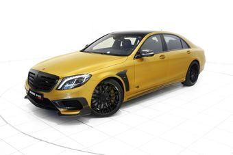 Заднеприводный спортивный автомобиль разгоняется до «сотни» за 3,7 секунды.