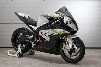 Представители BMW подчеркнули, что электрический мотоцикл получился быстрее бензинового при ускорении до 60 км/ч. О том, что происходит после этой отметки, пока не рассказывается.
