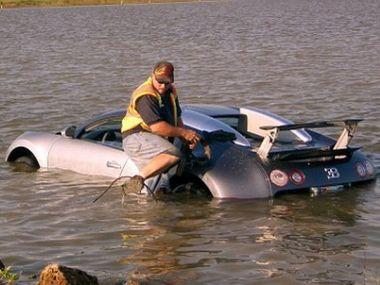 Американец умышленно утопил свой Bugatti Veyron и получил год тюрьмы