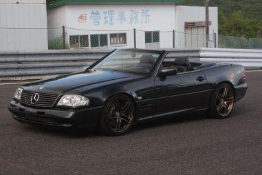 Японские тюнеры построили классический родстер Mercedes-Benz c мотором 2JZ