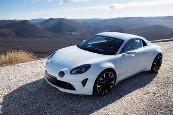 Автомобиль будет конкурировать с такими моделями, как Audi TT, Porsche 718 Cayman и Alfa Romeo 4C.