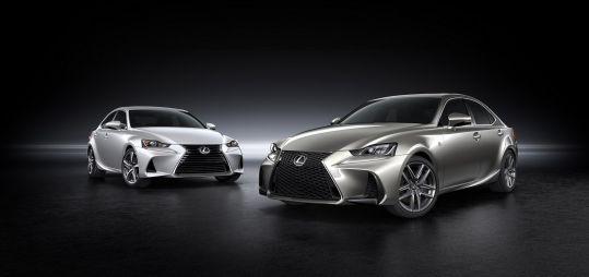 Lexus слегка обновил седан IS
