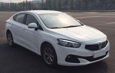 Китайская компания Brilliance выпустит компактный седан со 150-сильным турбомотором
