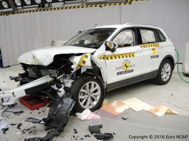 В Европе проверили на прочность новые VW Tiguan и Alfa Romeo Giulia