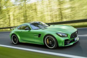 Окрашенную в специальный зеленый цвет AMG Green Hell Magno машину показали на Фестивале скорости в британском Гудвуде.