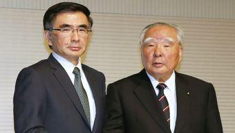СМИ характеризуют нового главу Suzuki как тихого и спокойного человека, который отличается от своего прямолинейного и смелого в высказываниях отца.