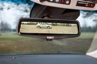 Ожидается, что к 2023 году 29% машин на рынке Японии (около 2,3 млн единиц) будут оснащаться дисплеями вместо салонных зеркал.
