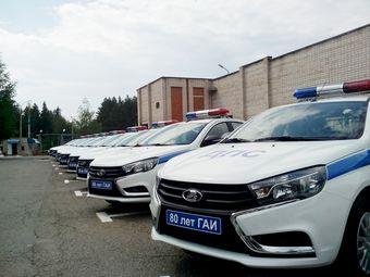 Решение о закупке Lada Vesta для полиции было принято по результатам опытной эксплуатации двух Lada Vesta, которые полиция Удмуртии получила от «АвтоВАЗа» в конце прошлого года.