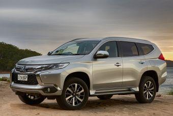 Этим летом можно приобрести только исполнения с известным по прежнему поколению бензиновым V6 объемом 3,0 литра и мощностью 209 л.с. с 8-ступенчатым «автоматом» Aisin и трансмиссией Super Select II.