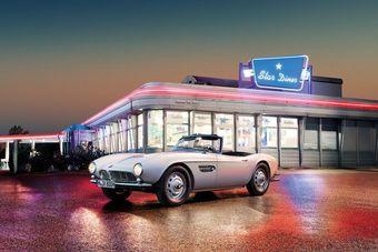 Элвис приобрел свой BMW 507 во время прохождения военной службы в Германии. Никакие номерные обозначения автомобиля широкой общественности известны не были, поэтому почти 50 лет считалось, что машина пропала.