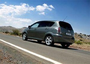 Toyota отзывает автомобили Corolla Verso из-за подушки безопасности