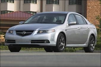 Компания Honda официально обнародовала фотографии автомобиля Acura TL Type-S, седана премиум класса с улучшенными мощностными и ходовыми характеристиками.
