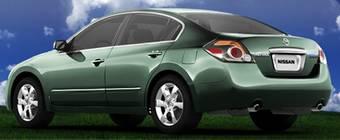 На выставке Orange County Auto Show, Nissan официально снимет завесу тайны с гибрида Altima 2007 года.