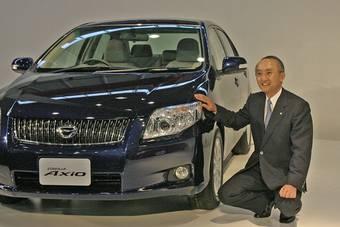 Президент компании Toyota г-н Ватанабэ Кацуаки лично представил новое поколение автомобилей серии Toyota Corolla.