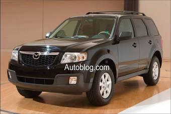Судя по всему, руководство компании Mazda решило сэкономить на дизайне этого автомобиля. Смотрите сами – это фактически клон автомобиля Ford Escape.