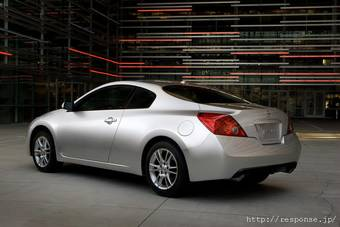 Компания Nissan представила свои новинки на моторшоу в Лос-Анджелесе.
