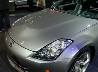 Внешний вид автомобиля изменен минимально, только настоящие поклонники этих автомобилей могут найти отличия – немного изменена передняя и задняя оптика, а так же появилась выпуклости по центру капота.