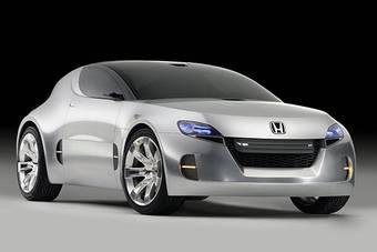 На прошлогоднем автосалоне в Лос-Анджелесе компания Honda представила спортивный концеп-кар Honda Remix Concept. Похоже, это возрождение марки CR-X.