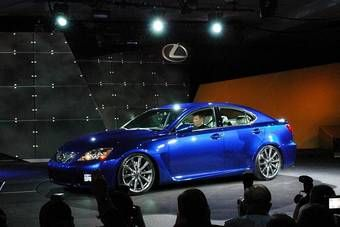 Lexus IS-F был представлен на Детройтском автосалоне в США.