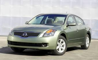 Напомним, что Altima Hybrid создан компанией Nissan на основе технологии Hybrid Synergy Drive, разработанной инженерами Toyota.