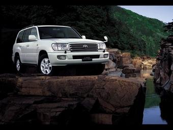 Toyota отзывает внедорожники Land Cruiser 70 и 100.