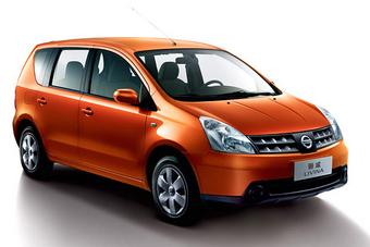 Nissan Livina в Китае.