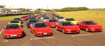 В Англии 43 владельца Honda NSX съехались на самое представительное шоу этих автомобилей в Европе.