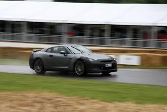 Nissan рассматривает вопрос об обнулении гарантийных обязательств для второго покупателя Nissan GT-R, чтобы избежать корыстной перепродажи автомобилей.