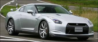 Благодарая совместным усилиям журналов Motor Trend, AutoWeek и издательства Edmunds.com мы теперь знаем, как выглядит Nissan GT-R.