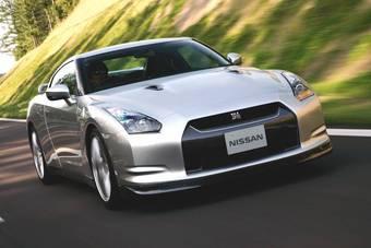 Желающим приобрести новый спорт-кар Nissan GT-R придется стоять в очереди.