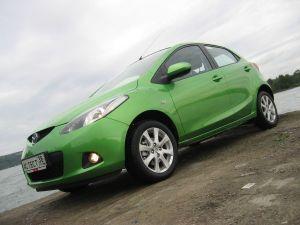 Обзор Mazda2 последнего поколения. Первая двойка