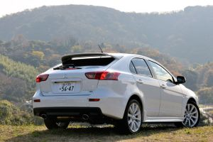 Обзор Mitsubishi Galant Fortis Sportback Ralliart. Привет активной молодёжи!