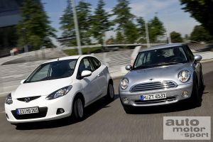 Дуэль малолитражек Mini One и Mazda2 со стандартными моторами
