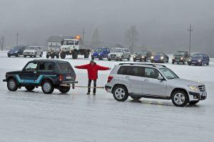 Lada Niva против Mercedes GLK 280, Porsche 911 Turbo против WRX STI и многие другие в неравной битве за титул «Снежный Король»