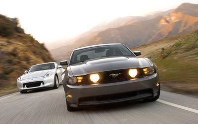 Сравнительный тест: Ford Mustang GT против Nissan 370Z. Две легенды лицом к лицу