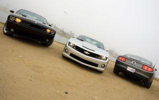 Chevy Camaro SS против Dodge Challenger R/T и Ford Mustang GT. Ищем настоящий современный масл-кар
