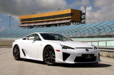 Первый тест-драйв Lexus LFA. Для чего же создан этот эксклюзивный суперкар?