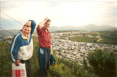 Перегон двух «Шариотов» и «Кантера» из Владивостока в Омск в 2002 году (много фото, мало текста)
