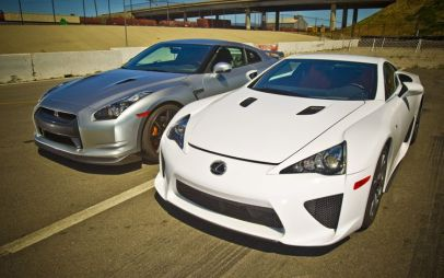 Супер тест: Lexus LFA против Nissan GT-R. Кто быстрее на драгстрипе?