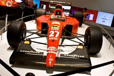 О чём молчат красные машины. Обзор единственного в мире парка развлечений Ferrari World
