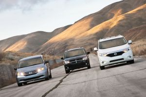 Сравнительный тест американских минивэнов: Caravan, Odyssey, Quest, Sienna и Town&Country
