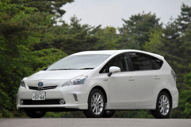 Отчет о тест-драйве нового минивэна Toyota Prius Alpha
